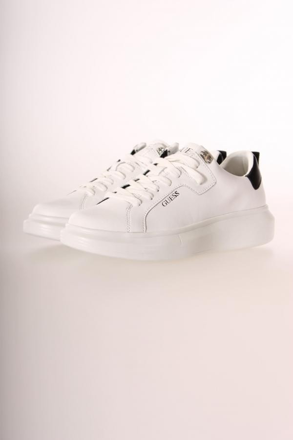 16822Sneaker_Guess_Wit