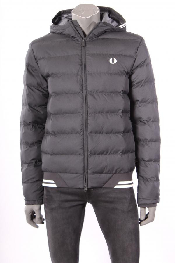 Jack_Fred_Perry_Zwart