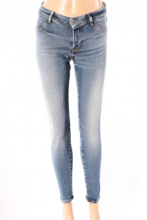 13507Jeans_Guess_Lichtblauw