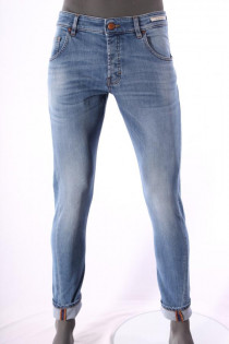 8045Jeans_Don_the_Fuller_Lichtblauw