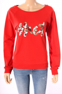 9277Sweater_Met_Jeans_Rood